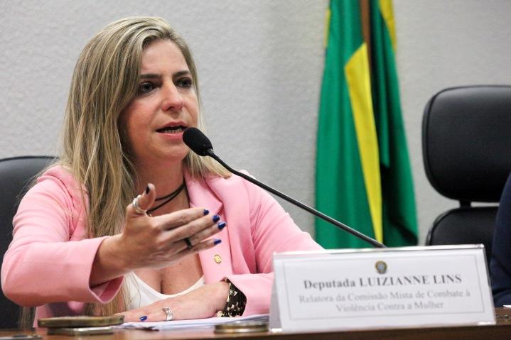 Luizianne Lins assume relatoria da Comissão de Combate à Violência Contra a Mulher  - Foto: André Corrêa/Agência Senado