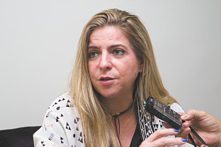 Em visita ao Sistema Verdes Mares, Luizianne Lins ressaltou como a fragilidade da base tem dado dinâmica nova à Câmara Federal - Foto: Fernanda Siebra/DN