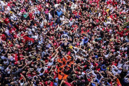 Lula nos braços do povo. São Bernardo. 7/4/18